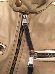 MUST SELL: BLAND NEW ENERGIE MENS LEATHER JACKET West Island Greater Montréal image 5