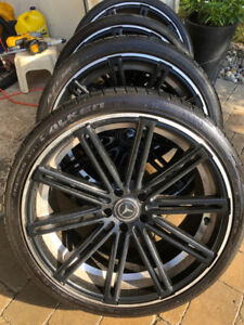 4 Mercedes CLS550 rims with Summers 275 30ZR 20 and 245