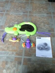 Fisher Price crib mirror musical crocodile in St Thomas London Ontario image 1