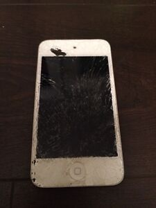 iPod 8gb with smashed screen