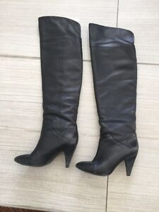 Guess Boots Size 61/2