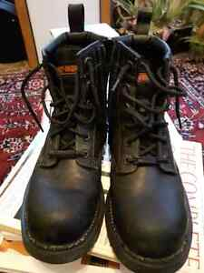 Womans Harley Davidson Boots Steel Toes call/text 519 476 8769 London Ontario image 1