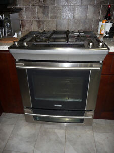 """3 Years Old Stainless Steel Electrolux 30""""Gas Stove Oven"""