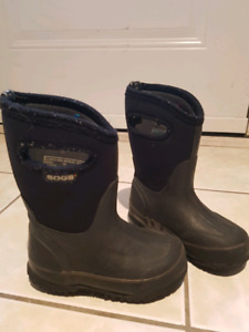 Toddler bogs size 8 winter boots