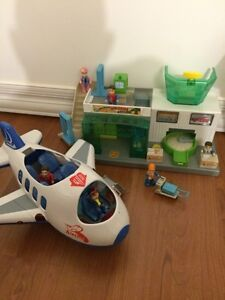 Playmobile airport & train station & more + kids toys
