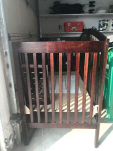 crib in great condition for sale