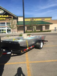 2015 marlon 14 ft Jon boat with 20hp Mercury outboard