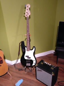 Squier P-Bass w/amp and accessories