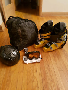 Ski Boots, Helmet, and Carrying Bag!