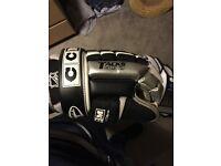 "Ccm tacks 492 ice hockey gloves size 11"" or 28cm"