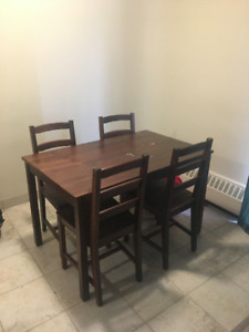 WOODEN DINING TABLE, SELLING FOR LOW REASONABLE PRICE