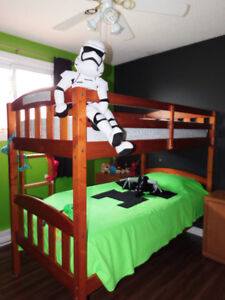 Bunk bed with top mattress
