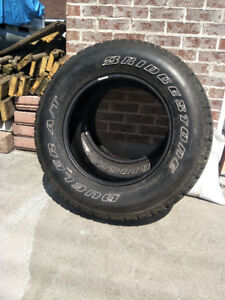 255/70 R18  never used, Bridgestone Dueler A / T 112 T