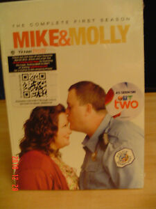 """MIKE & MOLLY"" TV SERIES, SEASON 1 WITH 3 DISCS ORIGINAL SEAL"