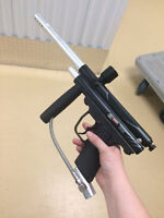 Piranha R6 Paintball Gun Pretty Clean Used only a handful of ti