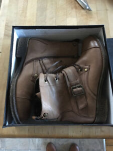 Codia Short Brown Boots Brand New