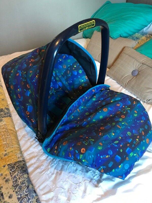 Britax Rock-a-Tot stage 1 car seat.