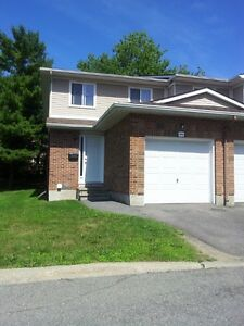 Upscale 3 Bedroom condo-WestEnd-Rent further reduced