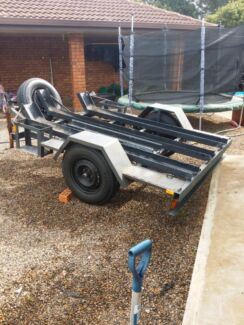 Honda crf 250 and 3 bike trailer for sale Craigmore Playford Area Preview