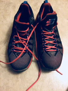 Basketball shoes cp3 size 8
