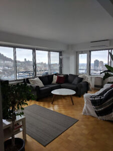 4month Summer rental. Beautiful 2bdr with balcony, bbq and pool