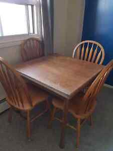 Kitchen table with leaf & 5 chairs $100 OBO