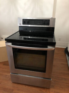 Like-New LG Stainless Steel 30 Inch Freestanding Electric Range