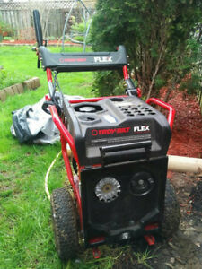 TROY BUILT MOTOR WITH AERATOR & DETHATCHER ATTACHMENT