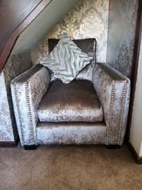 Crush velvet chair