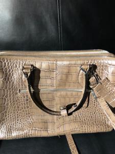 It's great purse of Danier !!!