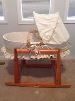 Jolly Jumper Basinet and stand