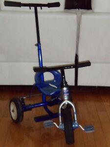 Tricycle full métal bleu avec pousseur