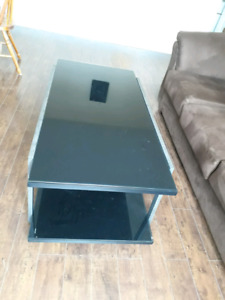 New Coffee table with two side table