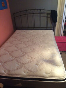 Twin size bed for sale(Great condition) Windsor Region Ontario image 1