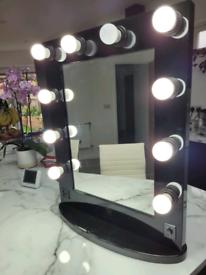 Holywood style vanity mirror