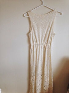 EVERLY White Lace Maxi Dress
