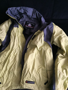 Women's medium Misty Mountain Rain jacket