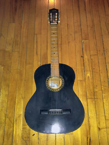 Vintage Mexican guitar 40$ works well