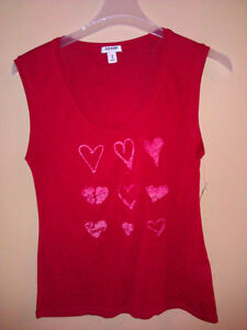 old navy women's red graphics sleeveless shirt Size Medium NWT