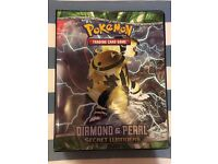 Pokemon Base Set + Pokemon Collectors Album + Ancient Mew * 100/102 Cards