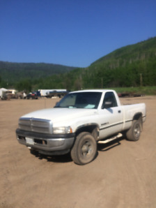 1997 Dodge 150 4x4 238000 kmhs good runner