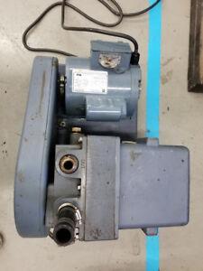 WELCH 1376 DUO Seal Vacuum Pump