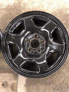 16'' FORD STEEL RIMS FROM A DODGE JOURNEY X4