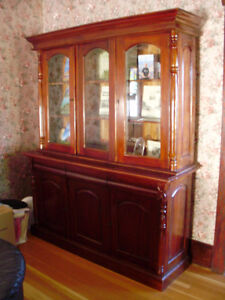 Display cabinet/hutch