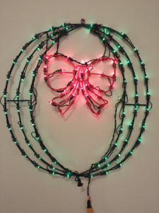 Lighted Wreath with Red Bow : Large : All lights work :Christmas