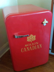 Molson Canadian XL  Bar fridge