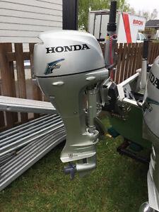 Moteur Honda 8 force 4 temps pied long 1800$ prix negociable