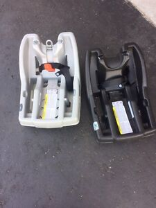 Infant/ baby car seat with two basses.  Kawartha Lakes Peterborough Area image 2
