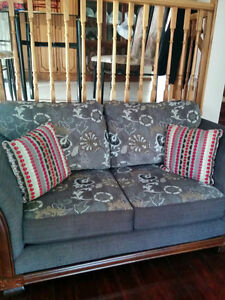 Beautiful and comfy living room set ($ 700.00 or best offer) Kitchener / Waterloo Kitchener Area image 1