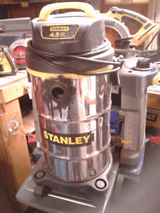 STANLEY WET AND DRY VAC